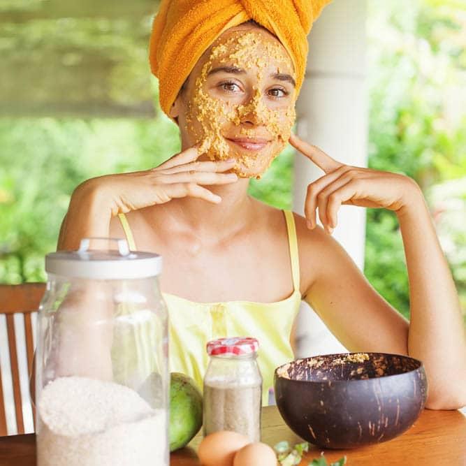 come fare lo scrub al viso