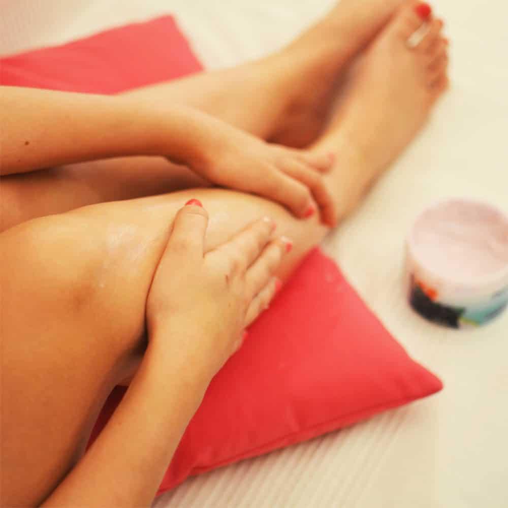 Che cos'è il massaggio anticellulite linfodrenante e quando bisogna ricorrere al massaggio connettivale. Benefici del massaggio anticellulite.